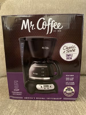 Photo Mr. Coffee 5 Cup Programmable Black & Stainless Steel Drip Coffee Maker
