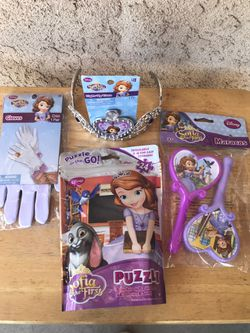 DISNEY SOFIA THE FIRST BIRTHDAY PARTY DECORATIONS AND PARTY FAVORS Thumbnail