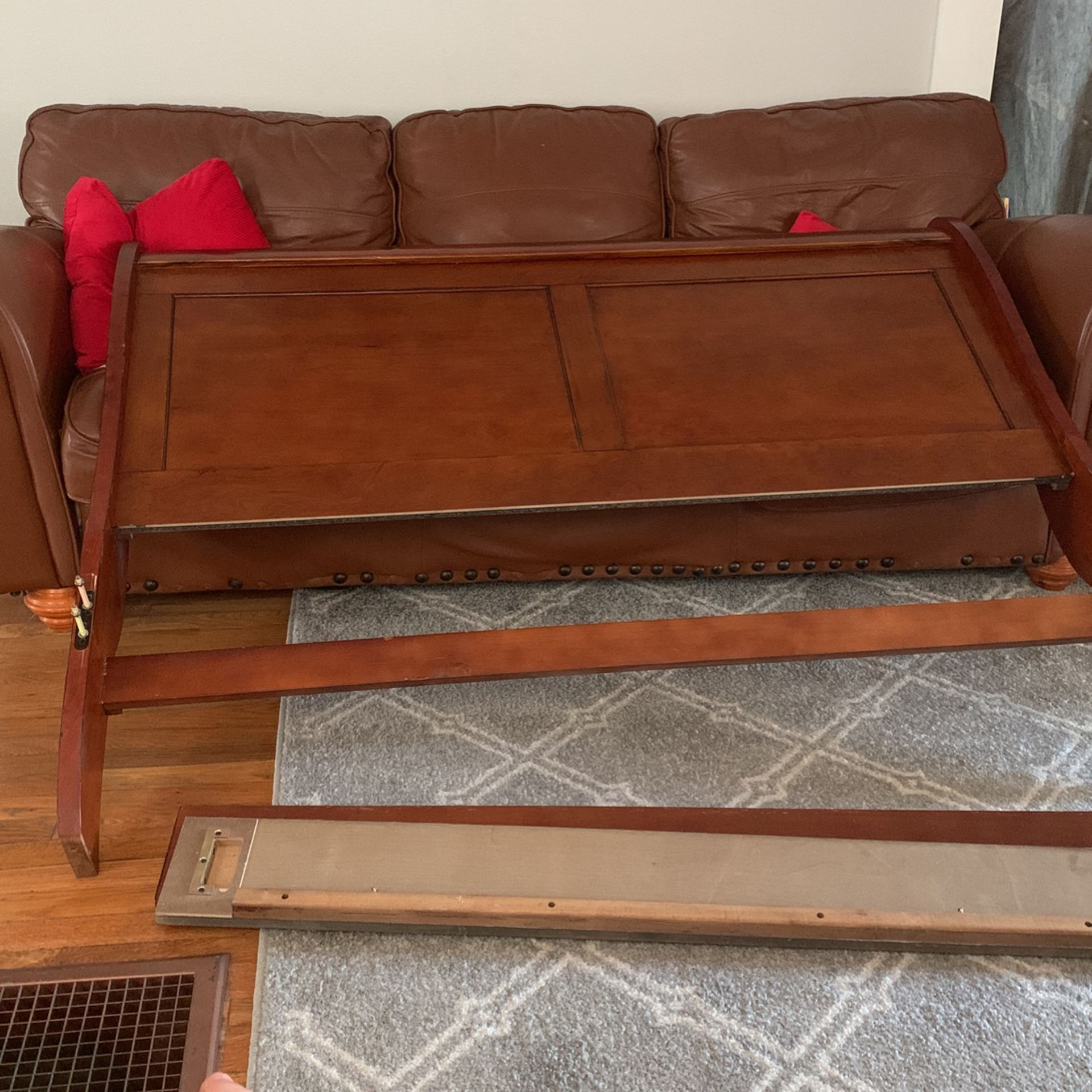 Queen Head Rest,feet Rest And Box Spring