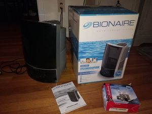 Bionaire cool mist humidifier, model BCM7910PF for Sale in McLean, VA