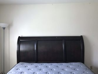 King size bed Thumbnail
