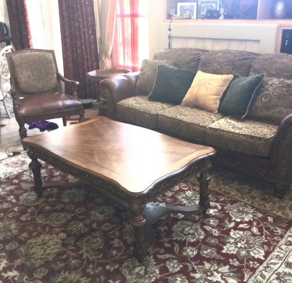 Sectional Couches Las Vegas Nv: 5 Piece Matching Living Room Set By Ashley For Sale In Las