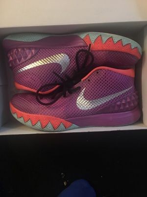 Nike Easter kyrie for Sale in Silver Spring, MD