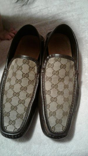 aeca71b80ce Gucci shoes 100% original for Sale in North Chicago