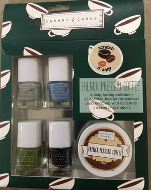 Nail polish set w/ acetone-free polish removal pads - Cherry and Chree *NEW* for Sale in Dallas, TX