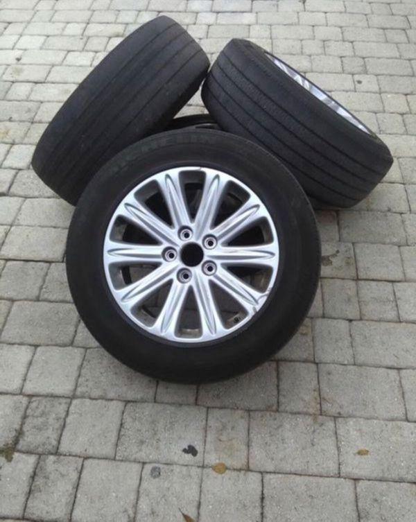 Honda Odyssey Tires >> 4 Used Honda Odyssey Touring 2005 2010 Pax Tire Rims For