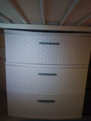 Plastic storage container mediano for Sale in Hyattsville, MD