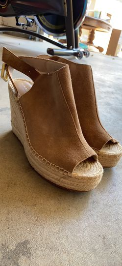 Kenneth Cole wedges Thumbnail