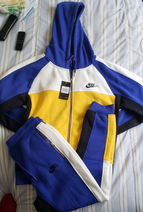 brand new 9c357 df949 Men nike sweatsuit