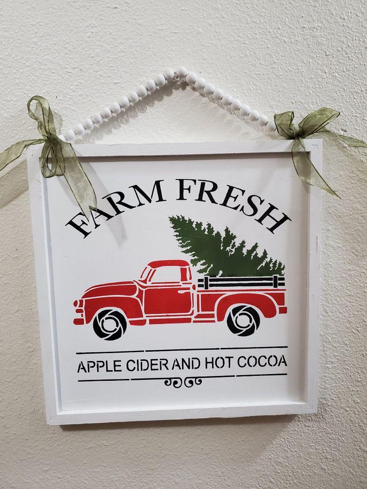 Adorable Farmhouse Christmas Wall Decor!