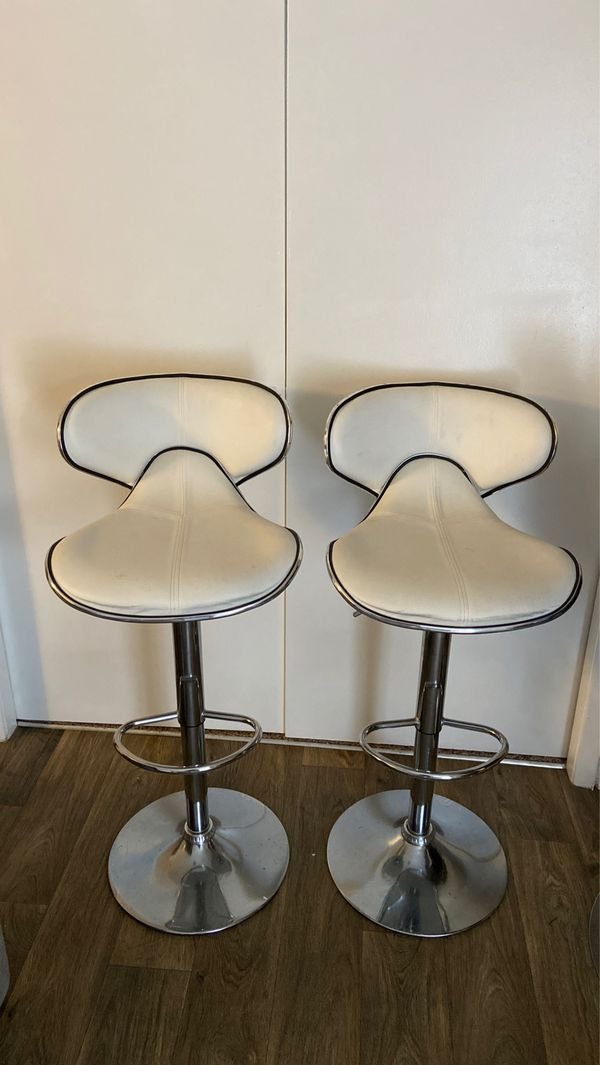 White Leather Bar Stools Set Of 2 For Sale In Marietta