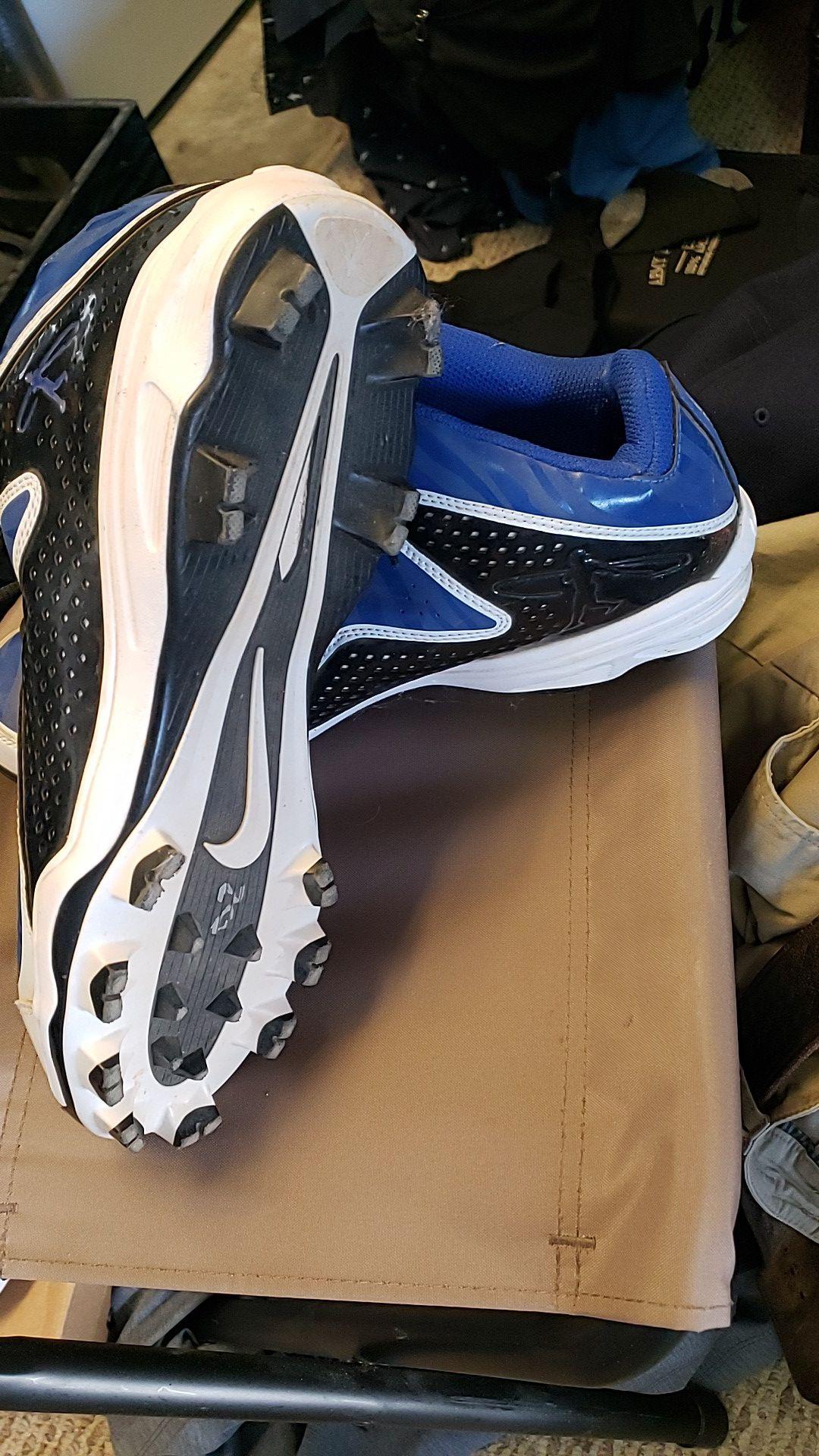 Nike swingman MCS baseball/softball cleats