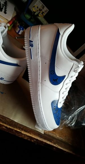 Photo Nike Air force 1 Louie V Customs