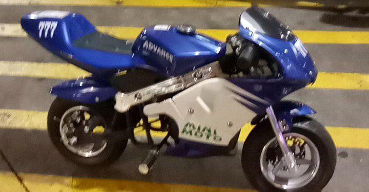 Photo Mini Pocket Rocket Motorcycle