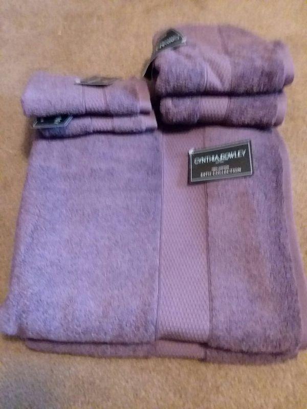 New Cynthia Rowley Bath Towel Set For Sale In Lexington Nc Offerup