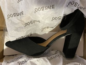 Close toed black heels Thumbnail