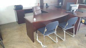 U desk for Sale in Miami, FL