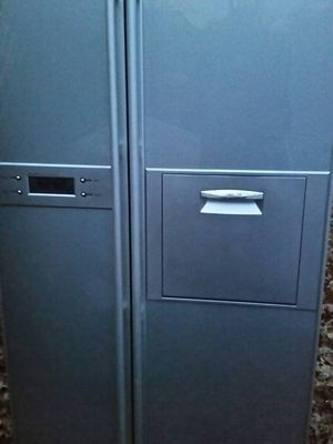 Special for export stainless side x side refrigerator 240 v for Sale in Alexandria, VA