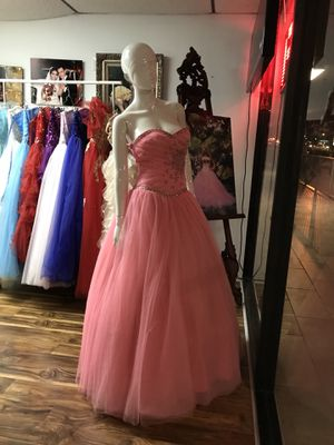 c65d234a0c5 New and Used Quinceanera dress for Sale in Hialeah