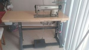 Sewing machine for Sale in Sterling, VA