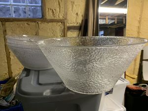 Photo Pick up today $3 each HUUUGE, popcorn, salad, punch bowl etc,