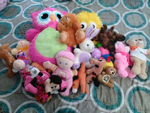 17 stuffed toys for Sale in Rolla, MO