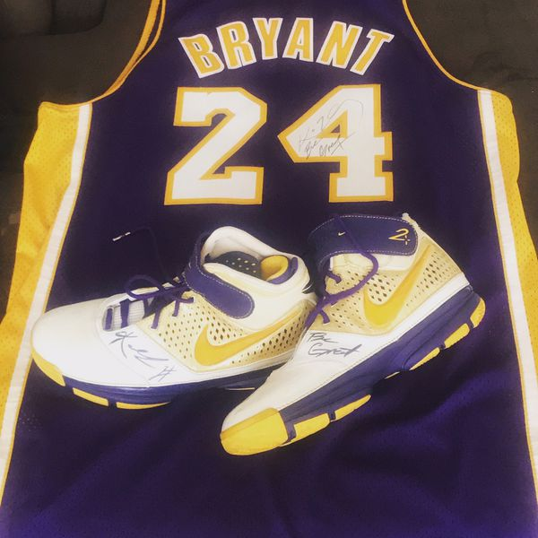 Autograph Kobe Bryant 2s Sz 13 And Kobe Jersey Sz 2XL For