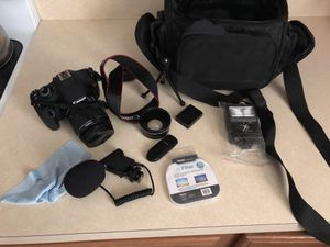 Canon T5 Rebel bundle PERFECT COND for Sale in Washington, DC