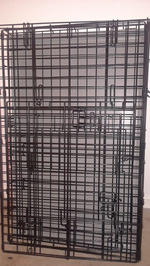 Large dog crate, double door for Sale in Clermont, FL