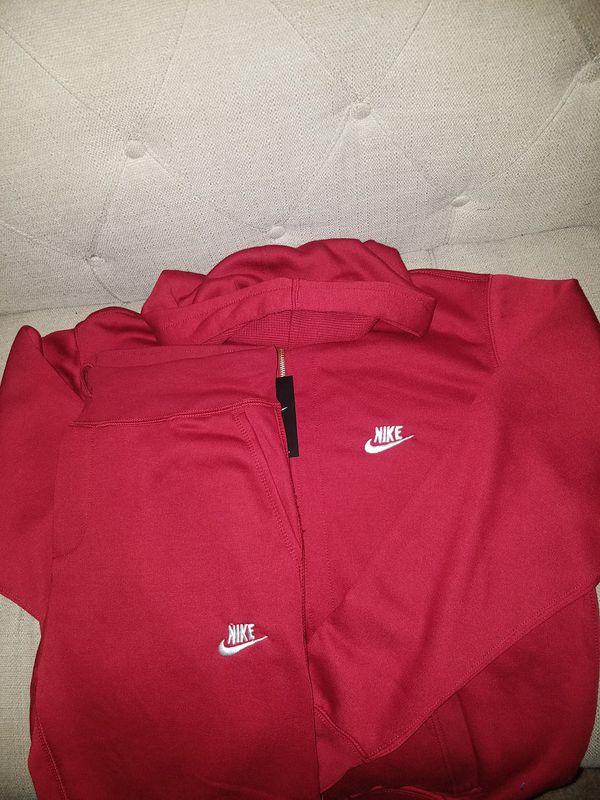 6c1e74a5b804 New MEN Nike Maroon White Sweatsuit for Sale in Dallas