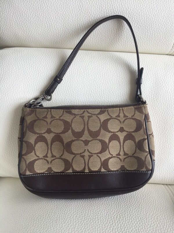 551ad39ca3 Small coach bag for Sale in Tampa