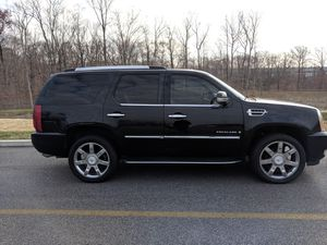 2007 Cadillac Escalade awd clean truck for Sale in Bethesda, MD