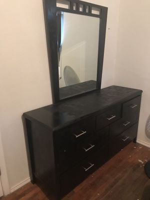 7 drawer dresser with mirror for Sale in Dallas, TX