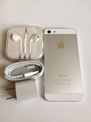 Unlocked iPhone 5, excellent condition for Sale in Vienna, VA