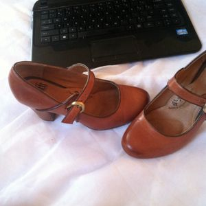 Sofft 6.5 heels for Sale in Chicago, IL