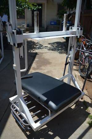 Body Masters Vertical leg press for Sale in Los Angeles, CA - OfferUp