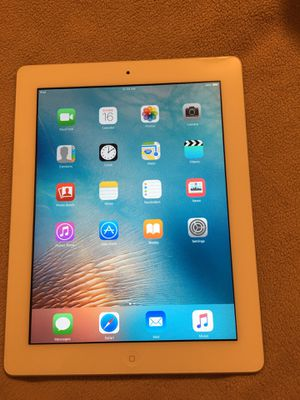 Apple iPad 16gb and 32gb WiFi ready to go nice and clean for Sale in Stockton, CA
