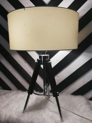 Rooms to go Voyager table lamp for Sale in Hialeah, FL