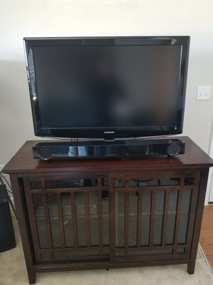 "46"" Samsung HDTV, Yamaha Sound Bar, with TV Stand for Sale in Manassas, VA"
