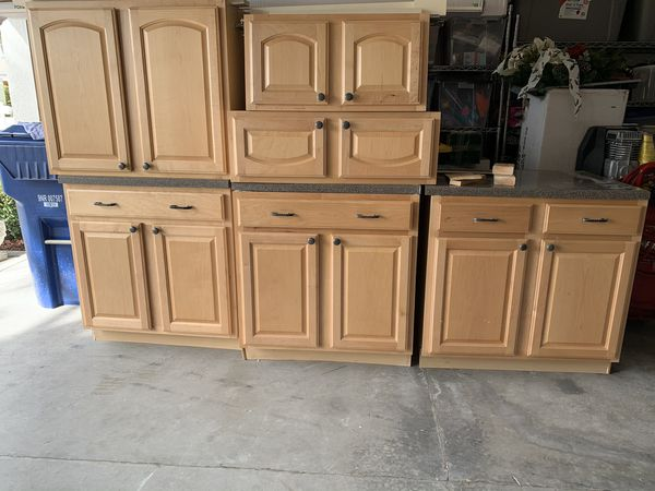 Kitchen Cabinets 8 For 400 For Sale In Tarpon Springs