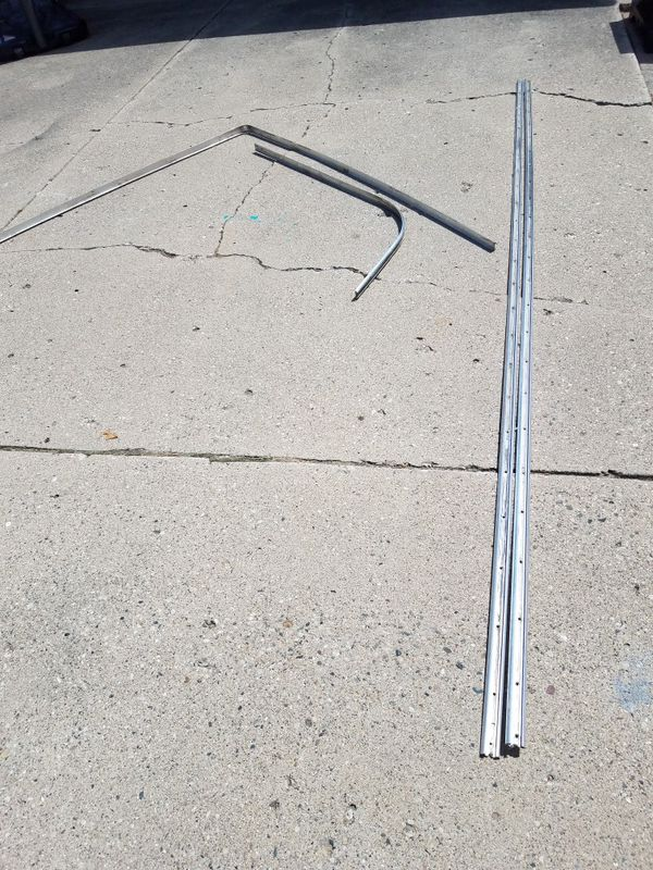 45 ft Aluminum boat rub rail with insert  for Sale in Utica