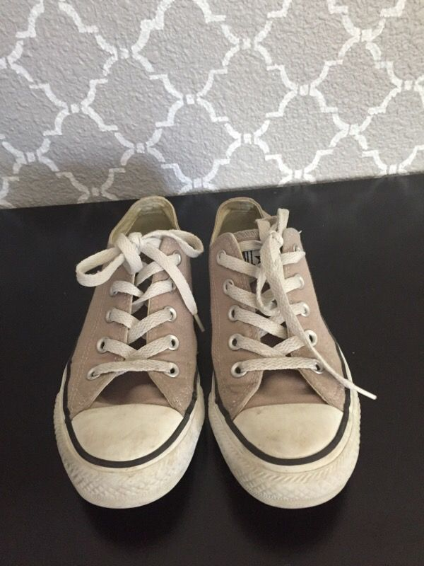 536911bb2613 Converse All Star Size 6 or 4 for men for Sale in Everett
