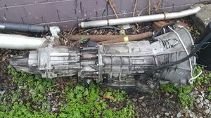 2000 Jeep Grand Cherokee v8 transmission transfer case for Sale in Nashville, TN