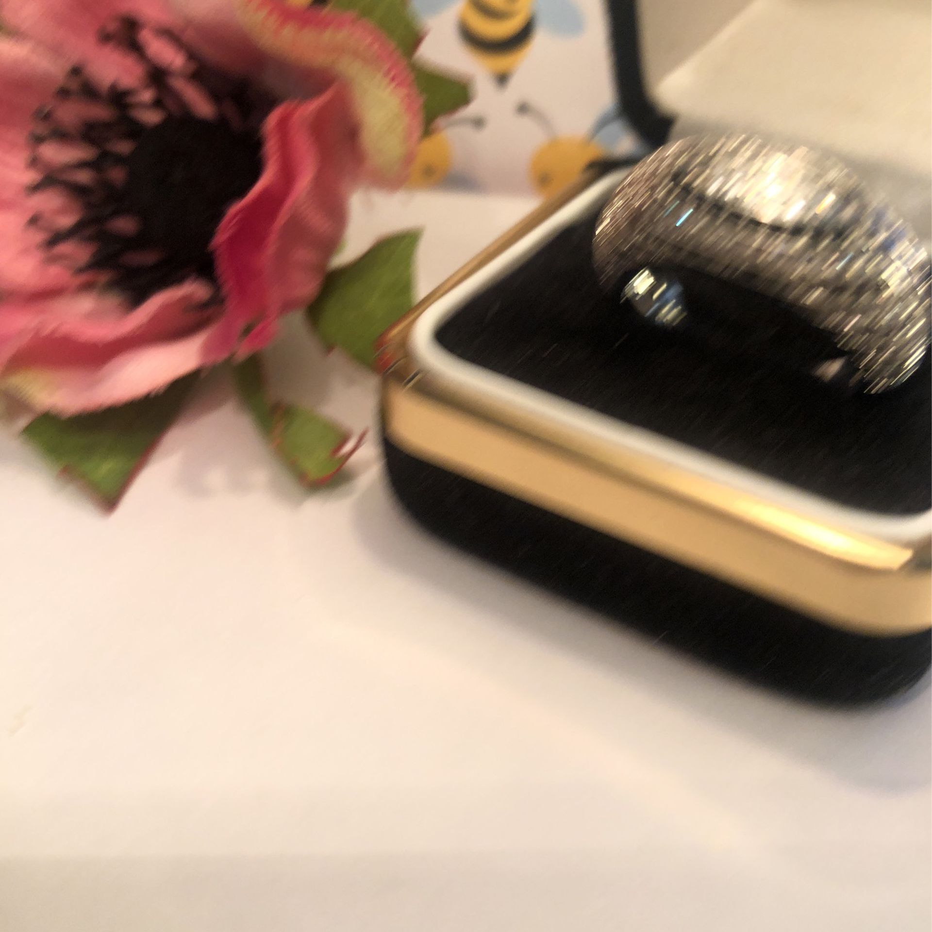 Dome Shaped Band With Chanbel Set Black& white Sapphires On Sterling Silver .925 Stamped Band Sz(7