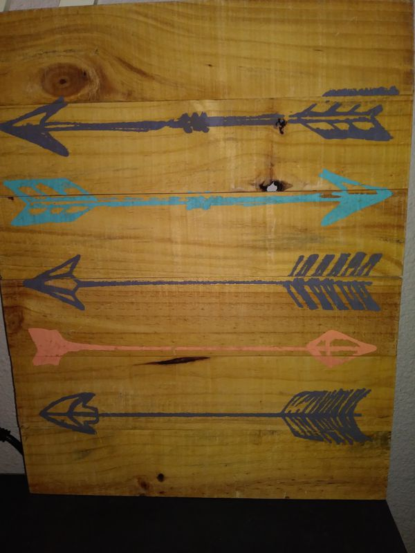 BRAND NEW WOOD ARROW WALL PICTURE 16X20 for Sale in Tulare, CA - OfferUp