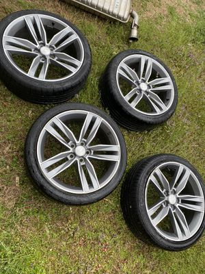 Photo 2018 factory Camaro rims and tires