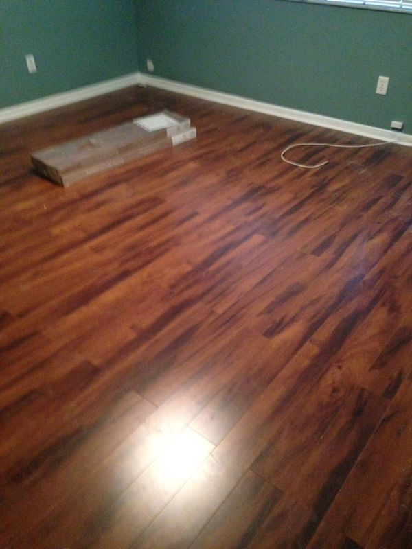 Free Laminate Flooring 1 Month Old 1000 Sq Feet 3 Rooms For In Davie Fl Offerup