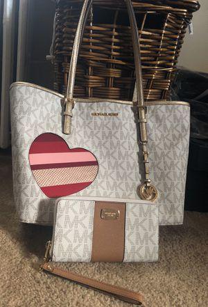 MK Bag & Wristlet for Sale in Alexandria, VA