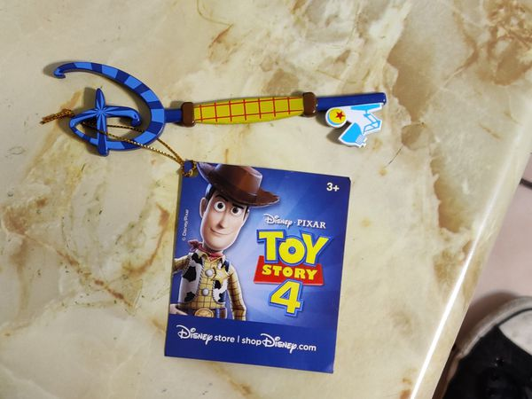 Collectors Disney Store Exclusive Toy Story 4 Woody Buzz
