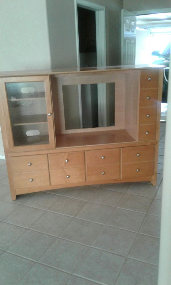 Solid wood TV stand for Sale in Oklahoma City, OK - OfferUp